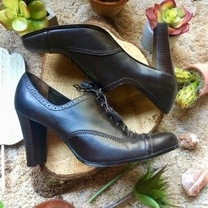 {Worthington} Oxford Lace Up Dark Brown Heels, 9